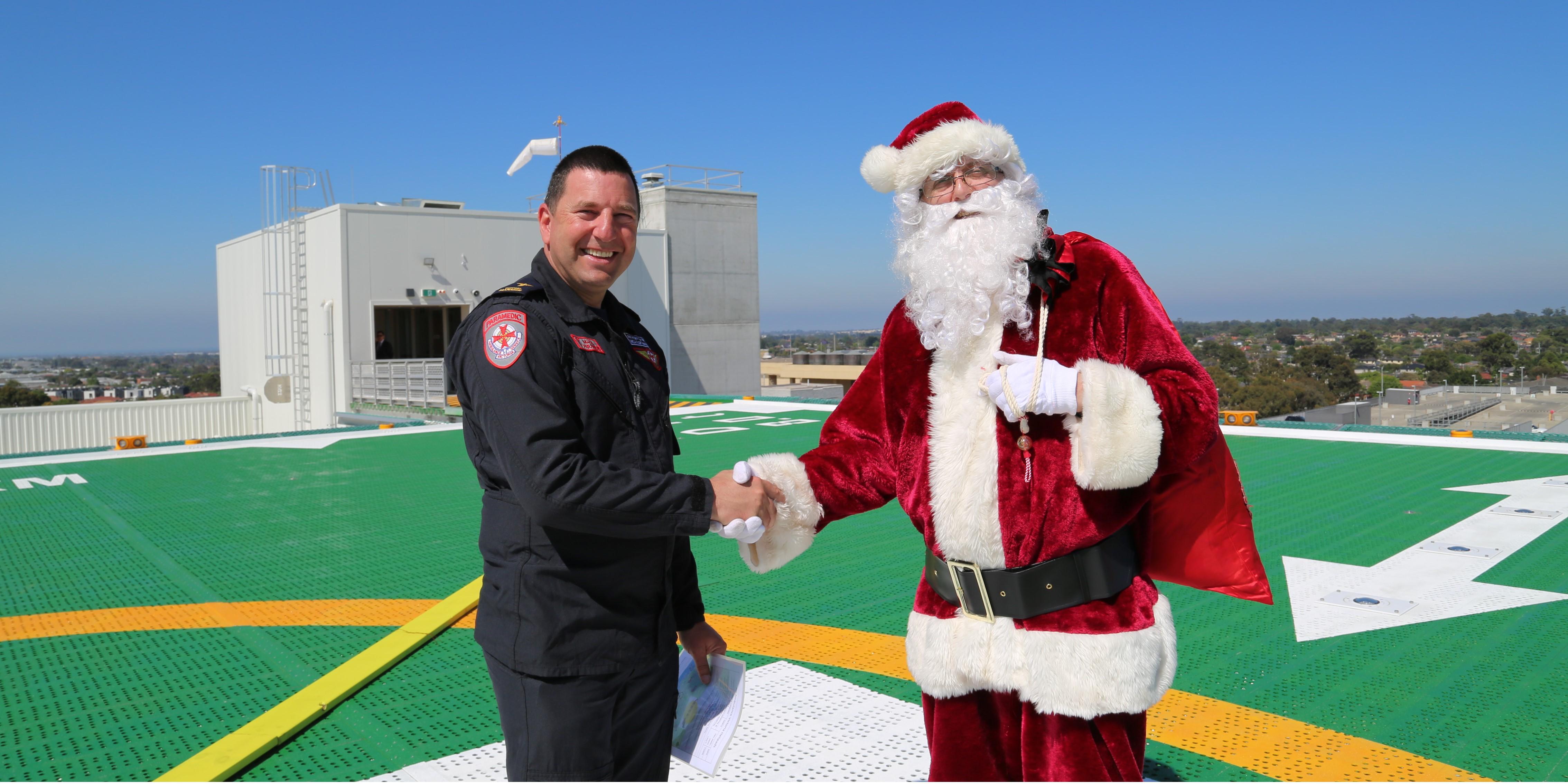 santa-helipad-1_santa-and-ambulance-vic-visit-helipad-inews